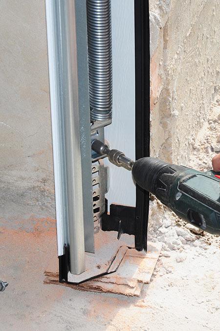 Call Worcester Garage Doors, And Have Your Broken Overhead Door In Worcester  Work Again Today.